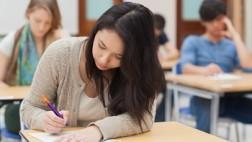 תמונת אילוסטרציה: תלמידה בבחינת בגרות באנגלית